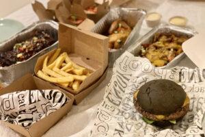 The Green Fox: burger, frites, spareribs
